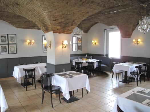 Plafond_à_arcades_dans_un_restaurant_du_marché_de_Nice-blog-eurolume-iluminacao-bares-e-restaurantes