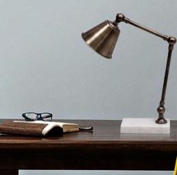 luminaria-de-mesa-articulada-para-estudo-metal-eurolume-iluminacao